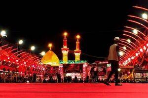 کفپوش قرمز برای عزاداری عاشورا در بینالحرمین گسترده شد+عکس و فیلم