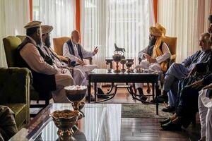 عضو هیات مذاکرهکننده طالبان با کرزی و عبدالله دیدار کرد