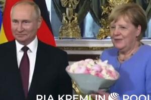 فیلم/ حاشیههای دیدار مرکل و پوتین