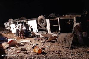عکس/ واژگونی یک دستگاه اتوبوس در مهماندوست دامغان