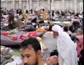 فیلم/ وضعیت پناهجویان افغان در پایگاه آمریکایی