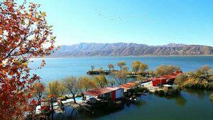 زریوار، نگین دریاچههای ایران با طبیعتی خیال انگیز