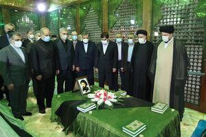 عکس/ مراسم تجدید میثاق اعضای هیات دولت با آرمانهای امام خمینی (ره)