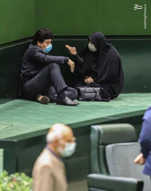 تصویری جالب از یک نماینده زن در صحن مجلس +عکس