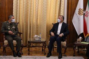 دیدار فرمانده کل ارتش با امیرعبداللهیان +عکس