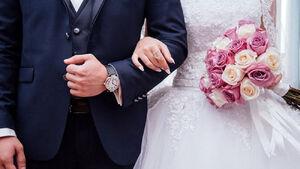 داماد نیمساعت قبل از جشن عروس عروس را طلاق داد!