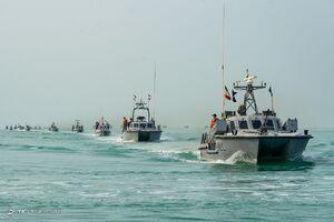 عکس/ رژه شناورهای نیروی دریایی سپاه در خلیج فارس