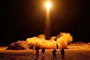 شلیک موشکهای بالستیک یمنی به مواضع ائتلاف جنایتکار سعودی - کراپشده