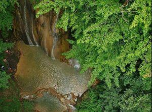 عکس/ آبشار دیدنی آهکی در مازندران