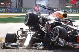 عکس/ لحظه تصادف در مسابقات فرمول یک