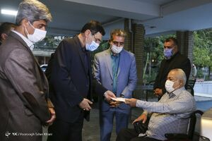 عکس/ بازدید رئیس بنیاد شهید از مرکز توانبخشی ثارالله