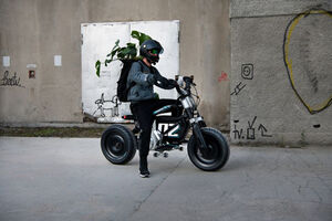 یک موتورسیکلت خفن عکس