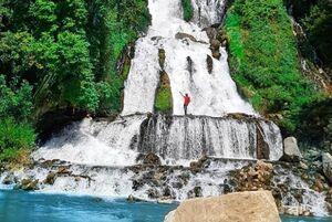 عکس/ آبشار زیبای لندی در چهارمحال و بختیاری