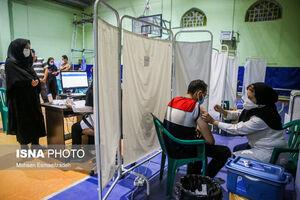 عکس/ آغاز واکسیناسیون شبانه در مشهد