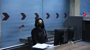 عکس/ کارکنان زن فرودگاه کابل به کار بازگشتند