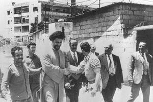 نوحهخوانی امام موسی صدر در پیادهروی کربلا
