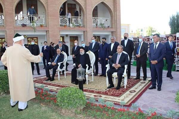 بازدید «رئیسی» از آرامگاه عارف ایرانی در تاجیکستان +عکس