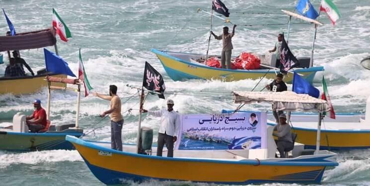 رژه گسترده شناورهای بسیج دریایی در خلیج فارس +فیلموعکس
