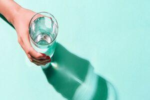۱۱ بلایی که نخوردن آب کافی بر سرتان میآورد