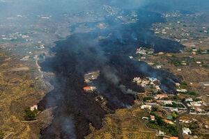 تصاویر هولناک از ورود آتش فشان به جزایر قناری