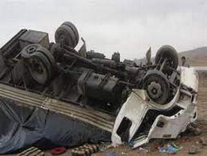 سقوط کامیون به دره در فارس پنج کشته داشت
