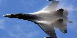 اسکورت بمب افکن بی-52 آمریکا از سوی جنگندههای سوخو-35 روسیه