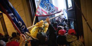 نیویورک تایمز: حضور مخبر افبیآی در میان مهاجمان کنگره آمریکا