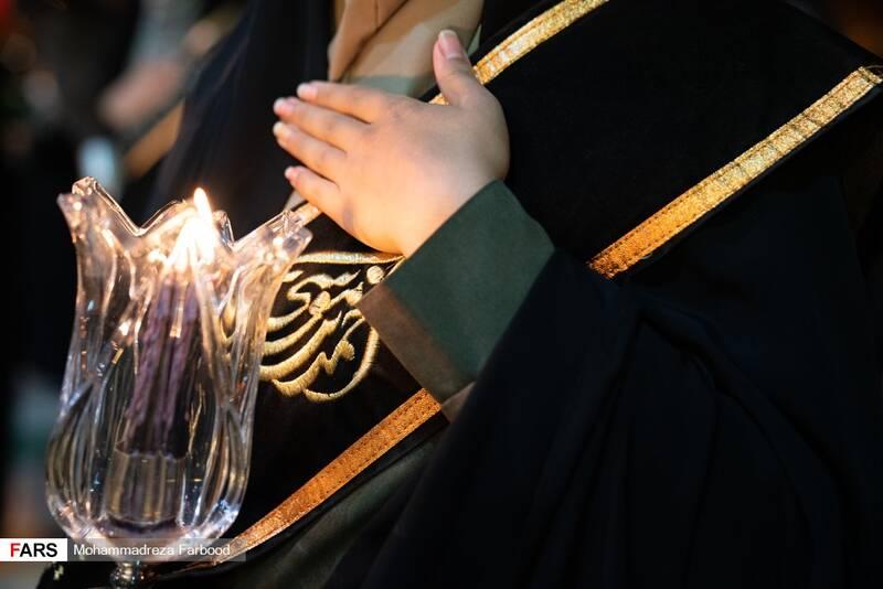 لالهگردانی شب اربعین حسینی در حرم مطهر شاهچراغ(ع)