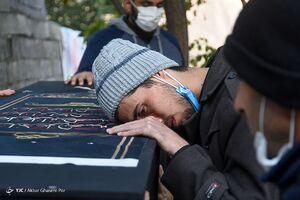 آخرین وداع مردم با پیکر علامه حسنزاده آملی
