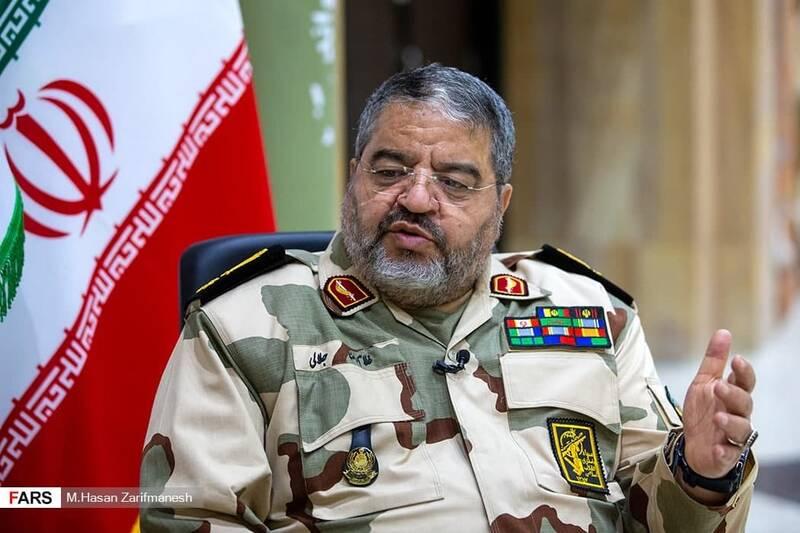 جبهههای غرب و شمالغرب در دفاع مقدس تنگه احد انقلاب بود/ شهید بروجردی گفت اگر میخواهید مردم را بزنید، من را هم بزنید!