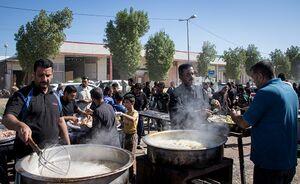 عکس/ مهماننوازی عراقیها از زائران امام حسین(ع)