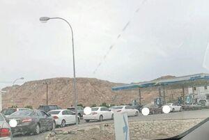 عکس/ هجوم مردم عمان به پمپبنزینها