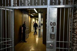 گروگانگیری ۲ نگهبان زندان فرانسه