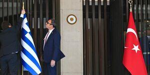 وزیر دفاع ترکیه: یونان نباید تحت تاثیر کشورهای دیگر قرار گیرد
