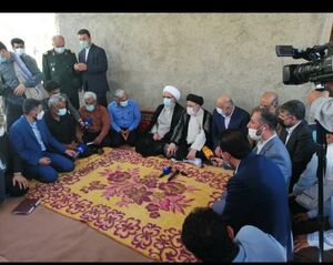 فیلم/ نشست صمیمانه رئیسی با کشاورزان بوشهر