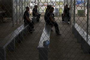 وضعیت زندانهای خصوصی آمریکا؛ از شیوع کرونا تا ضرب و شتم سیاه پوستان