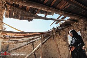 در حاشیه امدادرسانی به مناطق زلزله زده اندیکا+عکس