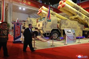 """حضور """"اون"""" در نمایشگاه تجهیزات نظامی"""
