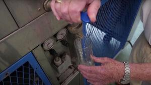 ساخت دستگاهی که از هوا آب میگیرد
