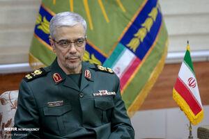 سرلشکر باقری با فرمانده ارتش پاکستان دیدار کرد