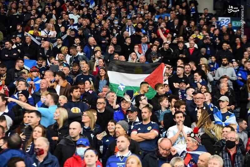 پرچم فلسطین در اسکاتلند و ایرلند بیخ گوش ملکه +عکس