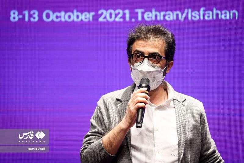 بهروز شعیبی کارگردان سینما در اختتامیه جشنواره فیلم های کودکان و نوجوانان