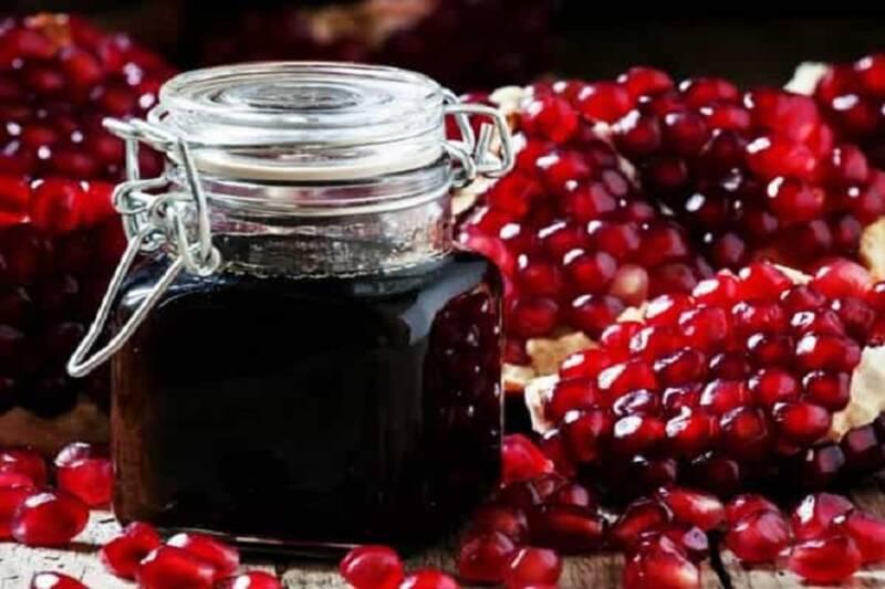 رب،انار،رنگ،آب،آلوچه،آبكش،قابلمه،طعم،يخچال،نمك،دانه