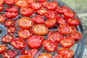 ترفندهای خشک کردن گوجه
