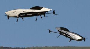 پرواز همزمان دو خودروی پرنده +عکس