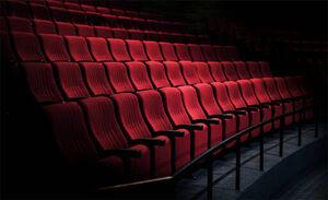 داشتن کارت واکسن کرونا برای رفتن به تئاتر اجباری است
