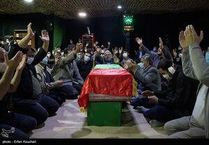 عکس/ وداع با پیکر جانباز شهید سردار حسین صفری