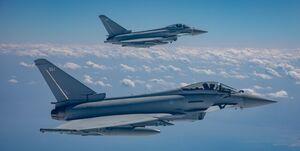 پرواز تایفونهای انگلیس با جنگندههای اف-۱۶ مصر در رزمایش چند ملیتی
