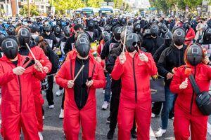 عکس/ سریال بازی مرکب الهامبخش تظاهرات خیابانی