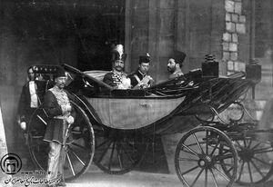 شاهان قاجار نسبتی با توسعه و پیشرفت نداشتند